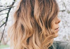 ۶۰۰x800_woman-with-light-brown-wavy-bob