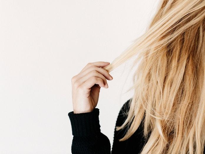 040419 post partum hairloss lead 0 min - همه ی آنچه که باید درباره ریزش مو پس از زایمان بدانید